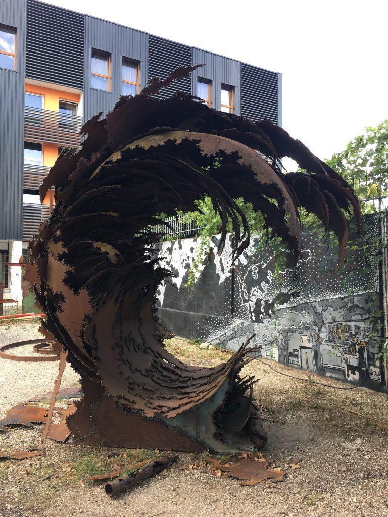 bordeaux sculpture vague